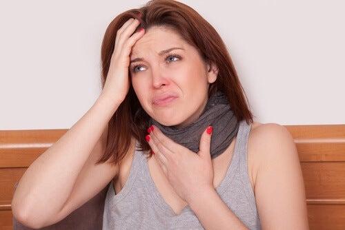 Laryngit är inflammation i struphuvudet