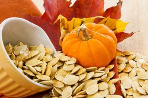 8 anledningar att äta pumpafrön regelbundet