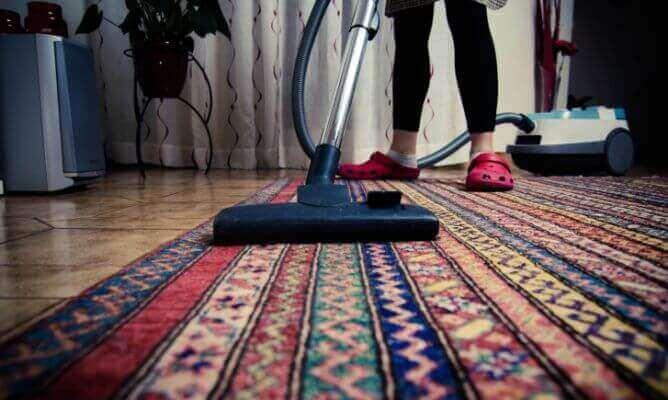 Rengör även mattorna