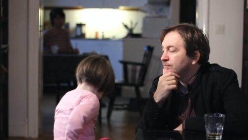 Barn med pappa