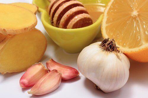 vitlök, honung och citron