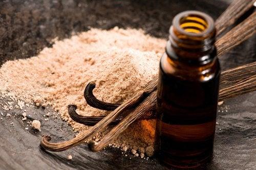 vaniljextrakt och vaniljstänger