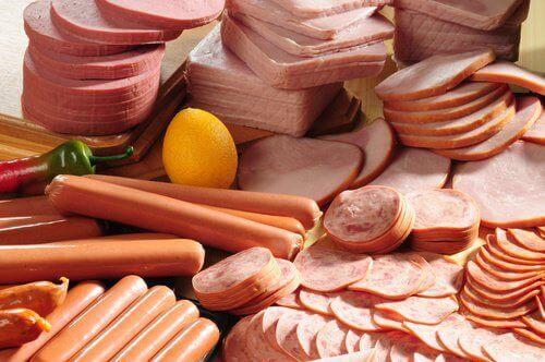 Processat kött