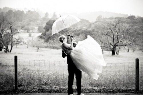 nygift par pussas