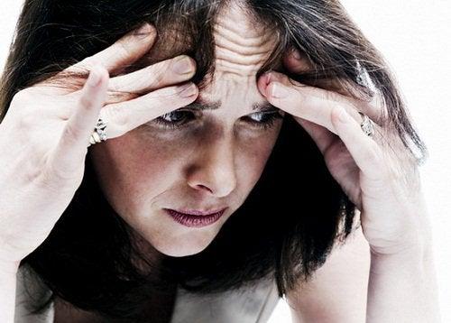kvinna-med-ångest