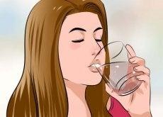 Dricka kokosvatten