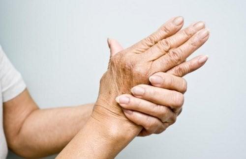 ofrivilliga ryckningar i tummen