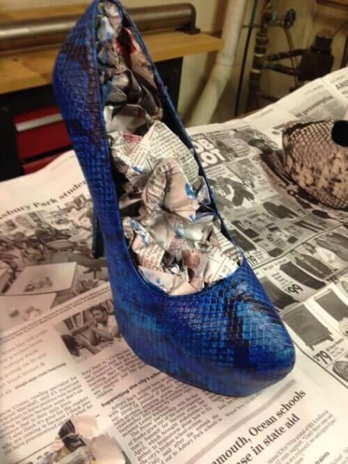 Tidningspapper i sko