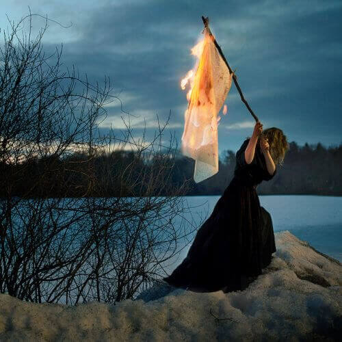 Brinnande flagga