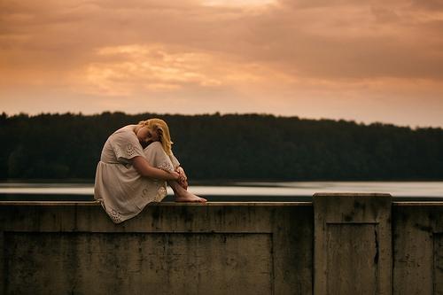 Ensam på mur
