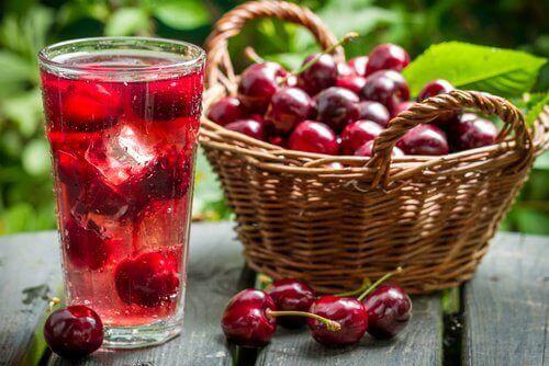 Drick ett glas körsbärsjuice