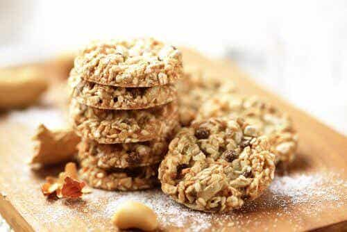Supernyttiga kakor gjorda på kokos, havre och frön!