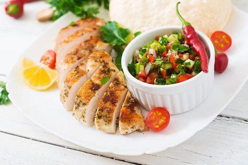 kyckling med  salsa och tomat
