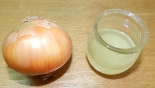 Lök- och citronsaft hjälper mot hosta