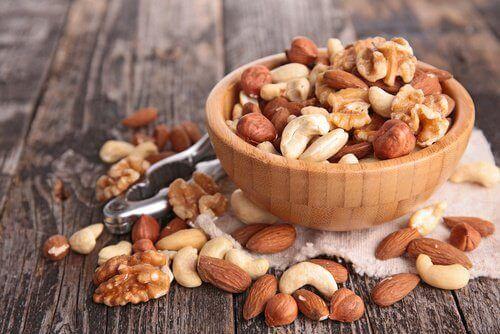 8 livsmedel som är nyttigare när de äts råa