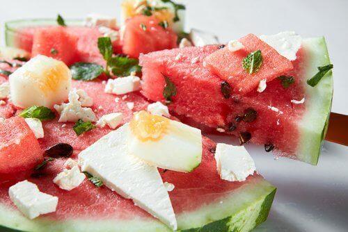 Vattenmelon i sallad
