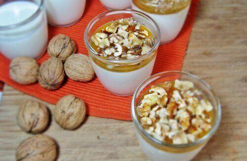 Valnötter med yoghurt