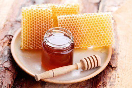 Honung och vaxkaka