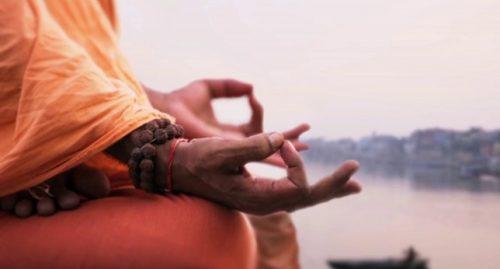 Händer i meditationsposition