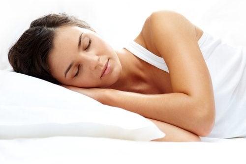 Sex naturliga drycker för att få bättre nattsömn