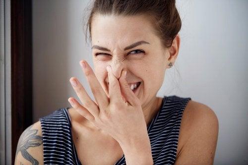 Mat som får dig att lukta illa: vad borde du undvika?