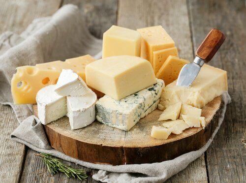 Vi listar 7 av de nyttigaste ostarna