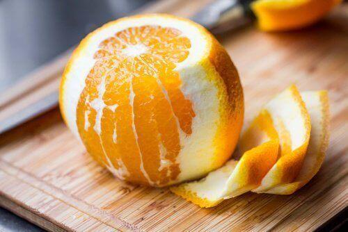 8 medicinska fördelar med apelsinskal