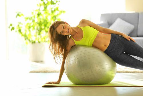 övning på träningsboll