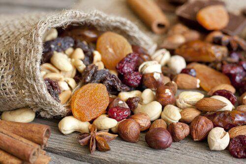 Nötter av olika slag
