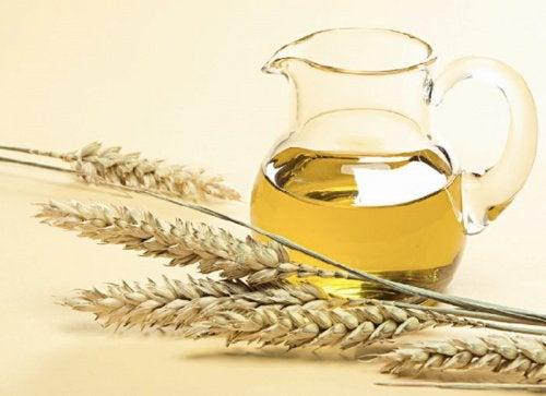vetegroddsolja för håret