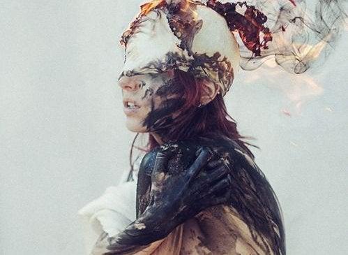 Kvinna greppad av ångest