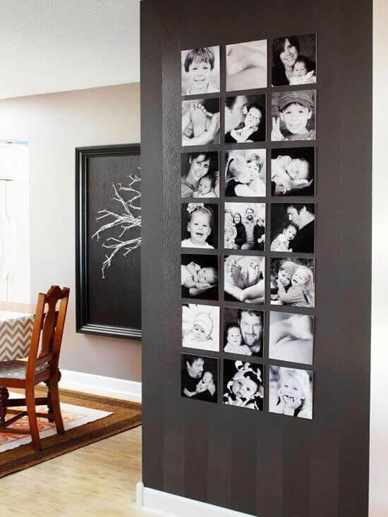 en kolumn med foton på väggen