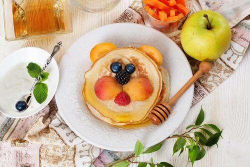 5 livsmedel du inte borde ge dina barn till frukost