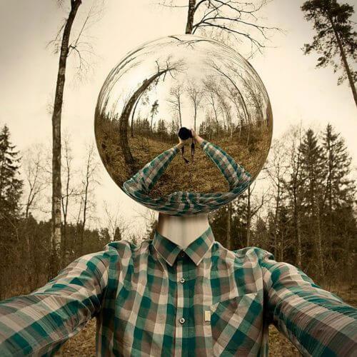 Man med glashuvud