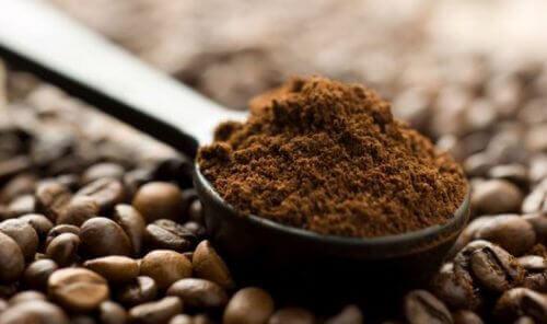 Kaffesump tillför näring