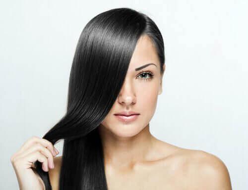 hur får man platt hår naturligt