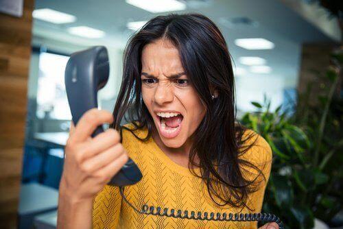 Tips för hur du slutar skrika på dina barn
