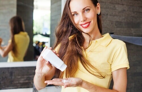 Torrschampon gör att du inte behöver tvätta håret varje dag