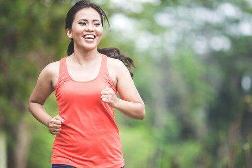 Kvinna på löprunda