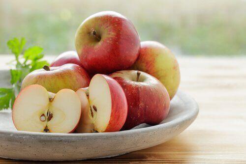 Ät äpplen för att undvika slapphet i kroppsdelarna