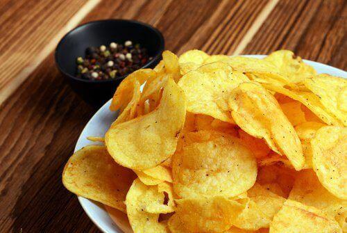 Chips på bord