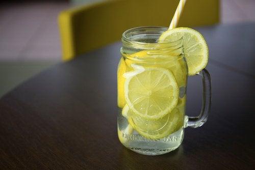 Citroner i glas