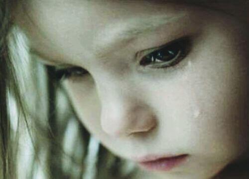 Gråtande barn