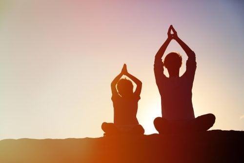 Personer som mediterar