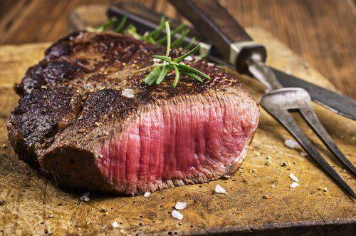 Rött kött påverkar matsmältningen