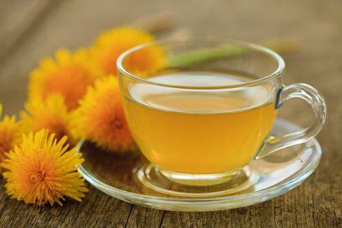 Te med maskrosor