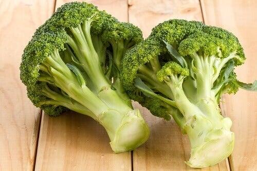 Två broccoli