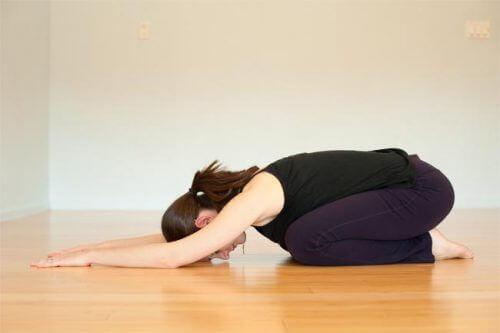 Yogaställning på golv