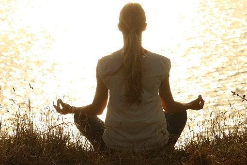 Meditation och yoga hjälper dig att bli lugnare