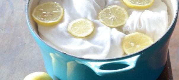 Citron kan ta bort fläckar på kläderna